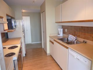"""Photo 13: 706 5790 PATTERSON Avenue in Burnaby: Metrotown Condo for sale in """"REGENT"""" (Burnaby South)  : MLS®# R2445152"""