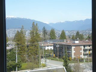 """Photo 7: 706 5790 PATTERSON Avenue in Burnaby: Metrotown Condo for sale in """"REGENT"""" (Burnaby South)  : MLS®# R2445152"""