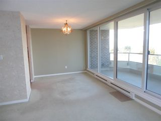 """Photo 8: 706 5790 PATTERSON Avenue in Burnaby: Metrotown Condo for sale in """"REGENT"""" (Burnaby South)  : MLS®# R2445152"""