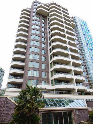 """Photo 19: 706 5790 PATTERSON Avenue in Burnaby: Metrotown Condo for sale in """"REGENT"""" (Burnaby South)  : MLS®# R2445152"""
