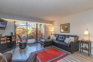Photo 2: 2 137 E 5TH Street in North Vancouver: Lower Lonsdale Condo for sale : MLS®# R2445542