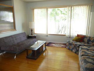 Photo 3: 16037 95 Avenue in Edmonton: Zone 22 House for sale : MLS®# E4207838
