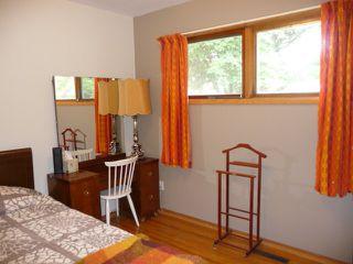 Photo 8: 16037 95 Avenue in Edmonton: Zone 22 House for sale : MLS®# E4207838