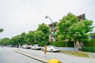 "Photo 31: 313 200 KLAHANIE Drive in Port Moody: Port Moody Centre Condo for sale in ""SALAL"" : MLS®# R2505516"