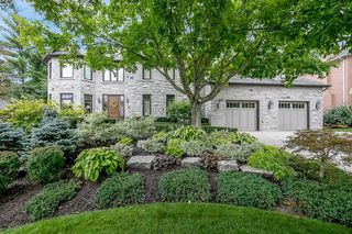 Photo 1: 19 Hodgkinson Cres in Aurora: Hills of St Andrew Freehold for sale : MLS®# N4925102