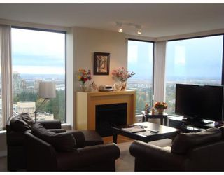 "Photo 1: 2406 7088 SALISBURY Avenue in Burnaby: Highgate Condo for sale in ""WEST AT HIGHGATE MALL"" (Burnaby South)  : MLS®# V795531"