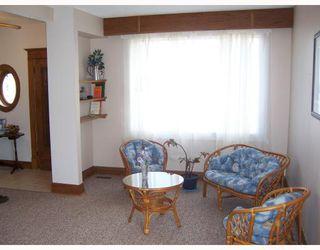 Photo 10: 206 HAMPTON Street in WINNIPEG: St James Single Family Detached for sale (West Winnipeg)  : MLS®# 2717433