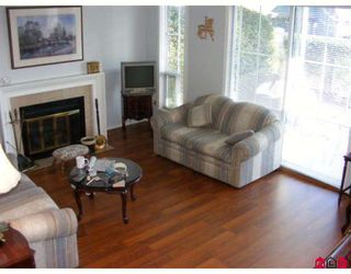 """Photo 2: 15 6140 192ND Street in Surrey: Cloverdale BC Townhouse for sale in """"THE ESTATES"""" (Cloverdale)  : MLS®# F2800108"""