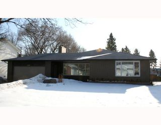 Photo 1: 423 KELVIN Boulevard in WINNIPEG: River Heights / Tuxedo / Linden Woods Residential for sale (South Winnipeg)  : MLS®# 2804138