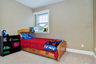 Photo 9: 7076 195A Street in Surrey: Clayton House for sale (Cloverdale)  : MLS®# R2407993