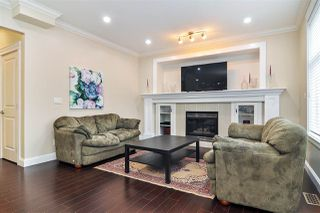 Photo 2: 7076 195A Street in Surrey: Clayton House for sale (Cloverdale)  : MLS®# R2407993