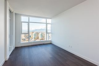 "Photo 3: 3307 4670 ASSEMBLY Way in Burnaby: Metrotown Condo for sale in ""Station Square"" (Burnaby South)  : MLS®# R2426014"