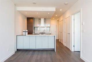"Photo 6: 3307 4670 ASSEMBLY Way in Burnaby: Metrotown Condo for sale in ""Station Square"" (Burnaby South)  : MLS®# R2426014"