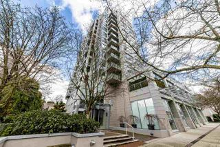 Main Photo: 1404 120 W 16TH Street in North Vancouver: Central Lonsdale Condo for sale : MLS®# R2445510