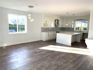 """Photo 3: 35235 HENRY Avenue in Mission: Hatzic House for sale in """"Ferncliff Estates"""" : MLS®# R2447262"""