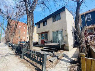 Photo 2: 205 Langside Street in Winnipeg: West Broadway Residential for sale (5A)  : MLS®# 202009128