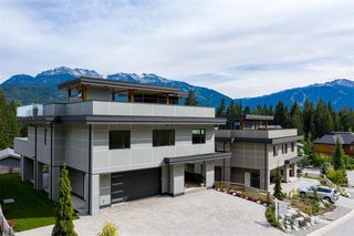 """Photo 1: 8468 BEAR PAW Trail in Whistler: Rainbow House for sale in """"Rainbow"""" : MLS®# R2492497"""