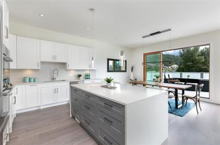 """Photo 3: 8468 BEAR PAW Trail in Whistler: Rainbow House for sale in """"Rainbow"""" : MLS®# R2492497"""