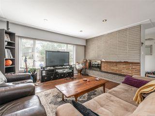Photo 3: 998 Karen Cres in : SE Quadra House for sale (Saanich East)  : MLS®# 859390