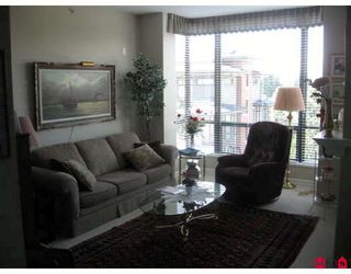 Photo 2: # 603 1581 FOSTER ST in White Rock: Condo for sale : MLS®# F2825493