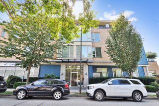 "Main Photo: 302 688 E 17TH Avenue in Vancouver: Fraser VE Condo for sale in ""MONDELLA"" (Vancouver East)  : MLS®# R2403902"