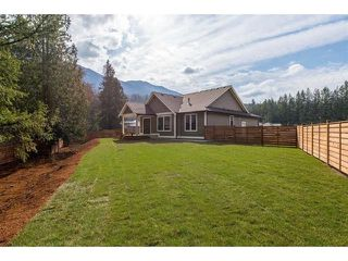 """Photo 19: 63 1885 COLUMBIA VALLEY Road in Cultus Lake: Lindell Beach House for sale in """"Aquadel Crossing"""" : MLS®# R2408763"""
