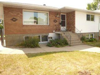 Photo 2: 12712 94 Street in Edmonton: Zone 02 House Duplex for sale : MLS®# E4176297