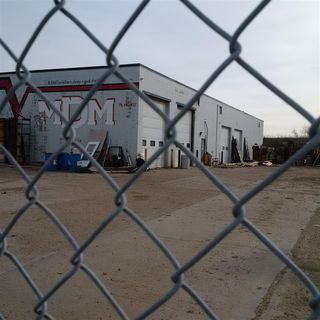 Photo 6: 8059 Coronet Road NW in Edmonton: Zone 41 Industrial for sale : MLS®# E4180133