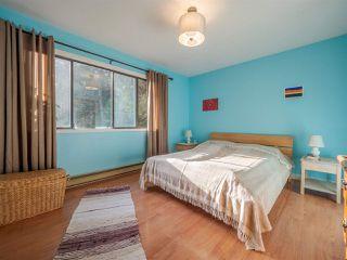 "Photo 10: 7980 COOPER Road in Halfmoon Bay: Halfmn Bay Secret Cv Redroofs House for sale in ""WELCOME WOODS"" (Sunshine Coast)  : MLS®# R2427808"