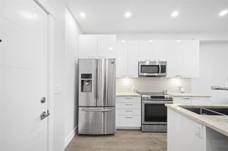 """Photo 3: 205 22315 122 Avenue in Maple Ridge: East Central Condo for sale in """"The Emerson"""" : MLS®# R2428210"""