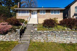 Photo 1: 3737 PORTLAND Street in Burnaby: Suncrest House for sale (Burnaby South)  : MLS®# R2445846