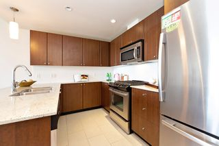 Photo 8: 2209 280 ROSS Drive in New Westminster: Fraserview NW Condo for sale : MLS®# R2465378