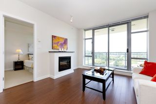 Photo 3: 2209 280 ROSS Drive in New Westminster: Fraserview NW Condo for sale : MLS®# R2465378