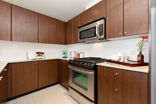 Photo 10: 2209 280 ROSS Drive in New Westminster: Fraserview NW Condo for sale : MLS®# R2465378