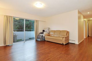 "Photo 3: 54 2002 ST JOHNS Street in Port Moody: Port Moody Centre Condo for sale in ""PORT VILLAGE"" : MLS®# R2471897"