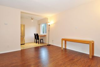 "Photo 5: 54 2002 ST JOHNS Street in Port Moody: Port Moody Centre Condo for sale in ""PORT VILLAGE"" : MLS®# R2471897"