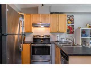 """Photo 4: 84 12099 237 Street in Maple Ridge: East Central Townhouse for sale in """"Gabriola"""" : MLS®# R2489059"""