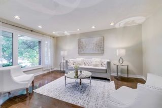 Photo 4: 37 Sycamore Dr in Markham: Aileen-Willowbrook Freehold for sale : MLS®# N4933525