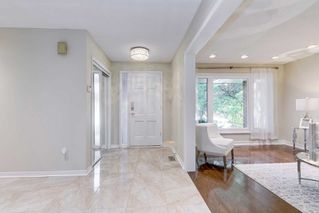 Photo 3: 37 Sycamore Dr in Markham: Aileen-Willowbrook Freehold for sale : MLS®# N4933525