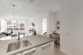 """Photo 6: 311 2468 BAYSWATER Street in Vancouver: Kitsilano Condo for sale in """"The Bayswater"""" (Vancouver West)  : MLS®# R2518860"""