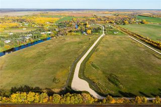 Photo 2: 158 South River Drive in Beausejour: R03 Residential for sale : MLS®# 202028413