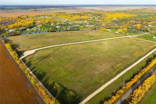 Photo 3: 158 South River Drive in Beausejour: R03 Residential for sale : MLS®# 202028413