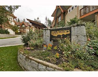 "Photo 1: 74 2000 PANORAMA Drive in Port_Moody: Heritage Woods PM Townhouse for sale in ""MOUNTAIN'S EDGE"" (Port Moody)  : MLS®# V671407"