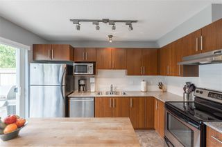 """Photo 8: 5 20038 70 Avenue in Langley: Willoughby Heights Townhouse for sale in """"Daybreak"""" : MLS®# R2388189"""