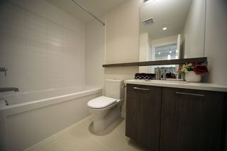 """Photo 9: 306 625 E 3RD Street in North Vancouver: Lower Lonsdale Condo for sale in """"Kindred Moodyville"""" : MLS®# R2396884"""