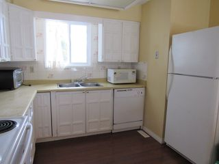Photo 3: 9201 Morinville Drive in Morinville: Townhouse for rent