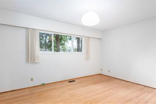 Photo 9: 952 LILLIAN Street in Coquitlam: Harbour Chines House for sale : MLS®# R2445645