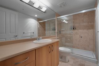 Photo 10: 1802 235 GUILDFORD Way in Port Moody: North Shore Pt Moody Condo for sale : MLS®# R2449128