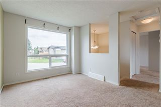 Photo 3: 108 CASTLEBROOK Rise NE in Calgary: Castleridge Detached for sale : MLS®# C4296334
