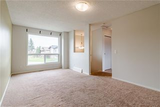 Photo 5: 108 CASTLEBROOK Rise NE in Calgary: Castleridge Detached for sale : MLS®# C4296334